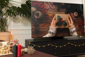 Holiday Series Pt 2 QLED TV_thumb1000